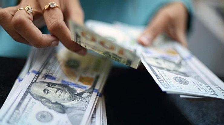 ВУкраинском государстве подпрыгнул курс доллара