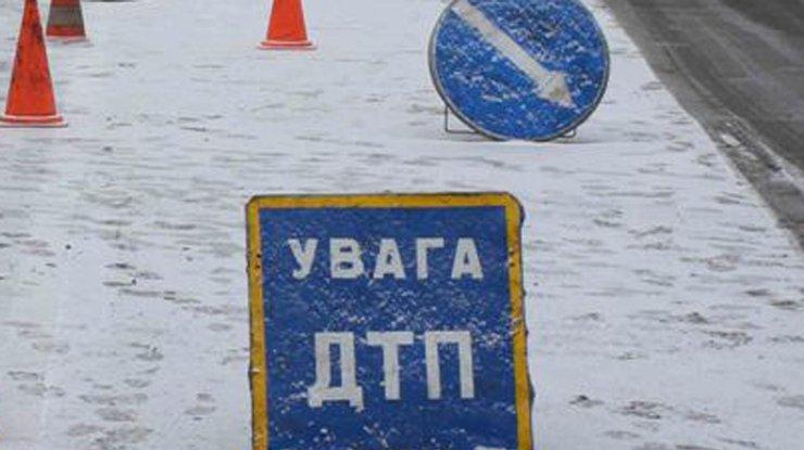 Шестеро пассажиров автобуса пострадали вДТП вКиевской области