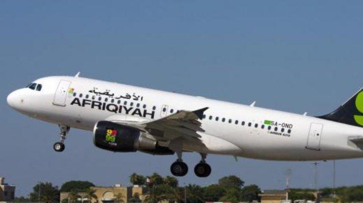 Неизвестный захватил ливийский самолет с неменее 100 пассажирами наборту