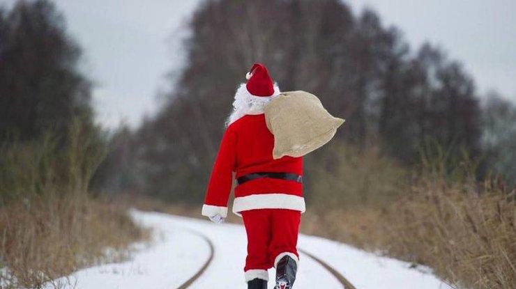 ВСША неизвестный вкостюме Санта-Клауса ограбил банк