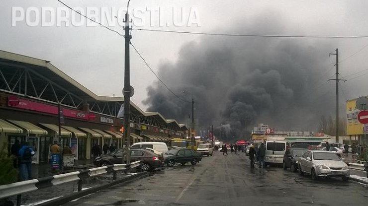 ВКиеве подожгли «Дарынок»: есть пострадавшие