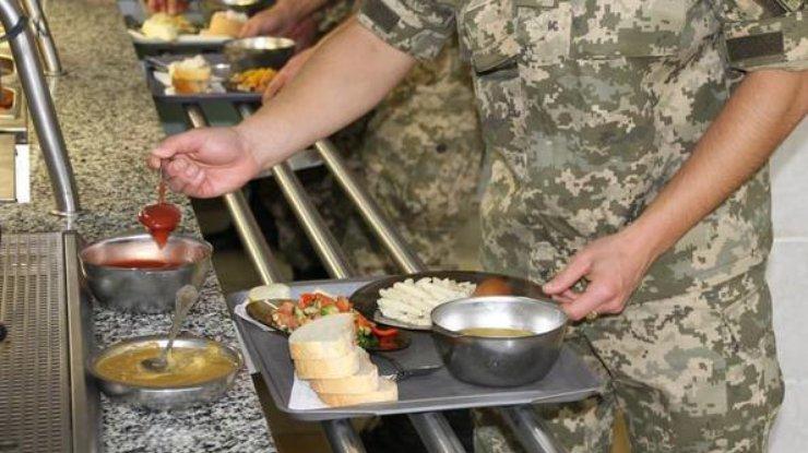 Кабмин принял решение поулучшению питания военных
