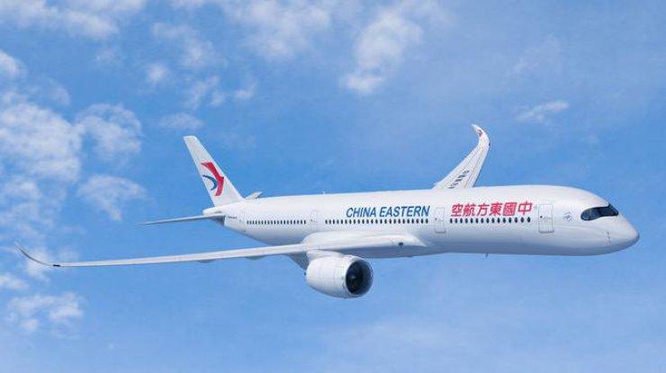Самолет посадили вШереметьево из-за попытки пассажирки покончить ссобой