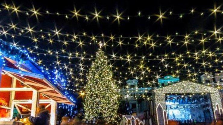 Новогодний концерт около основной елки страны: украинцев развлекут звезды эстрады и ансамбль