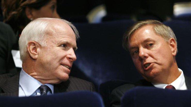 Американские сенаторы потребовали неменее жестких санкций противРФ