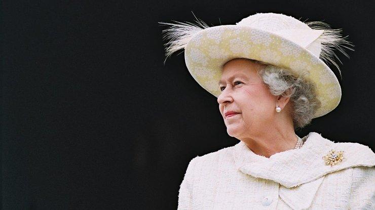 Королева ЕлизаветаII пропустит новогоднюю службу из-за болезни