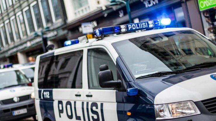 Автомобиль протаранил толпу людей вХельсинки
