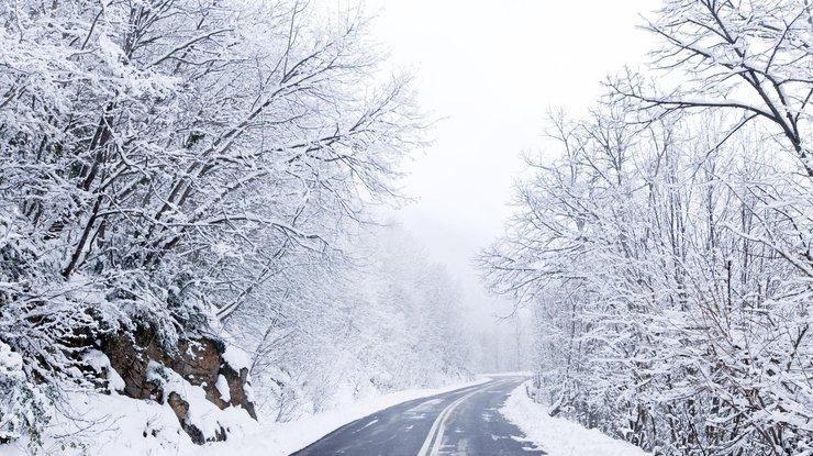 ВВолынской иХмельницкой области перекрыли часть дорог из-за снега