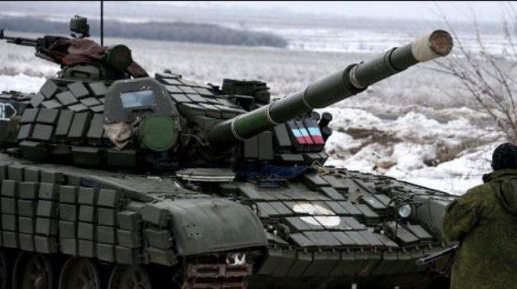 Боевики держат почти сотню танков возле линии соприкосновения вДонбассе,— ОБСЕ