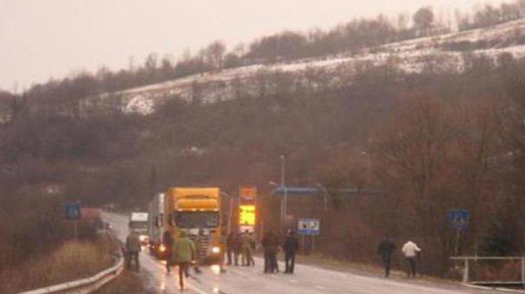 Запрошедшие сутки через Закарпатье проехало 76 фургонов РФ— русские фуры