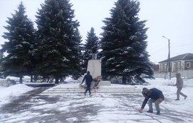 В Золочеве уничтожили памятник Ленину