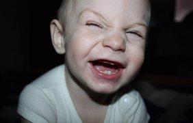 """""""Видь я такой смешной"""" На этом фото малышу Вове 1 годик, а сейчас 3 годика"""