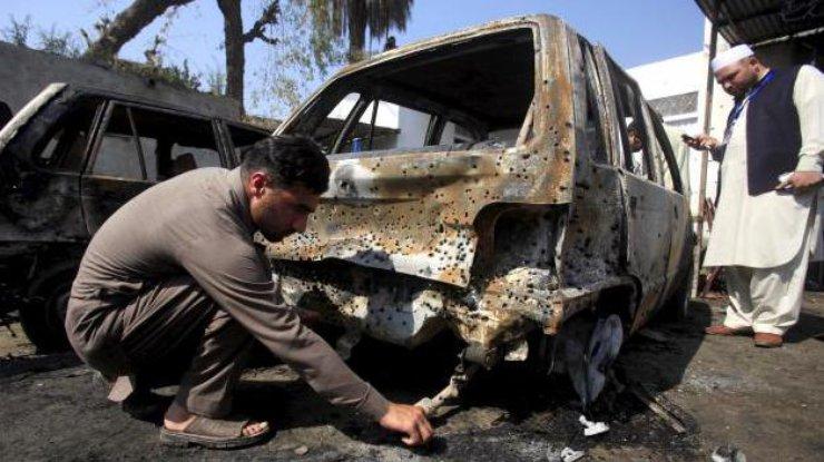 Террорист-смертник взорвался уздания суда вПакистане