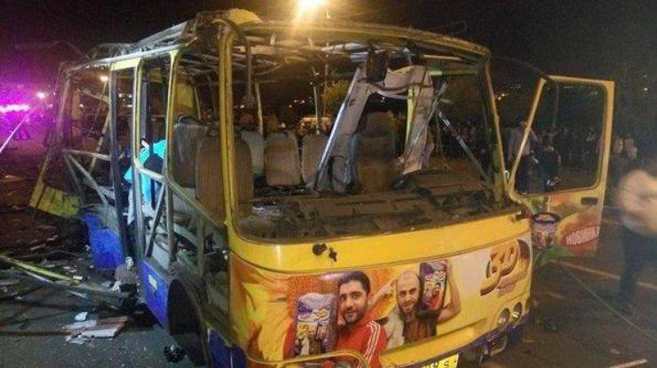 Взрыв автобуса вЕреване: трое из 7-ми пострадавших— подростки