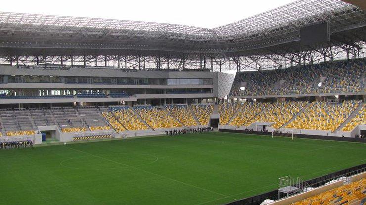 Со Львовского стадиона просят снять дисквалификацию