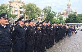 Полицейские Мариуполя прошли строгий отбор и были выбраны из 2600 кандидатов