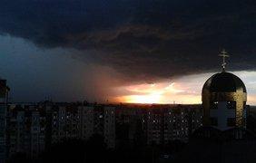Первый вечер лета Ивано-Франковск встретил мощной грозой