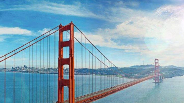 бентли фото на мосту