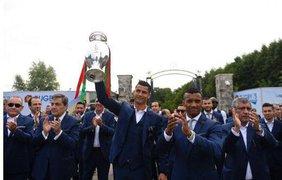 Чемпионы Европы по футболу прибыли на родину Фото: AFP, соцсети