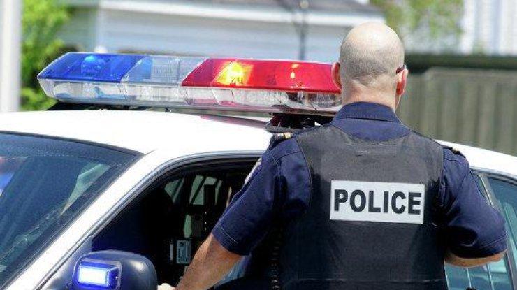 ВСША задержаны три человека, планировавшие нападать наполицейских