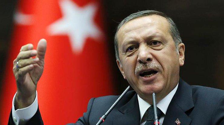 Свидетели: Ваэропорту Стамбула сел самолет Эрдогана ипрогремел мощнейший взрыв