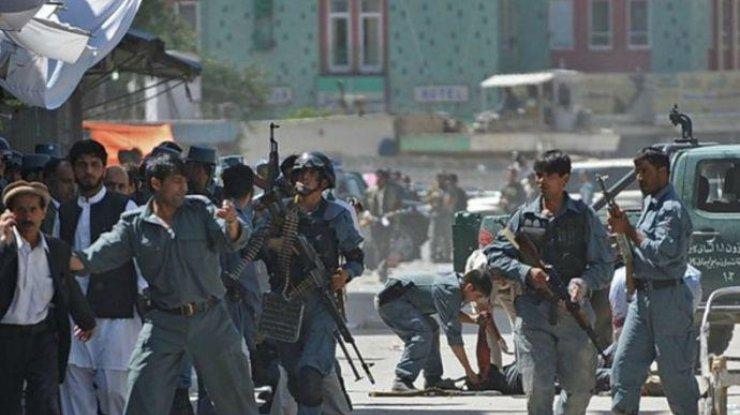 Число погибших выросло до 80— Теракт вКабуле