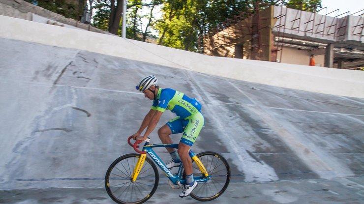 После пробных заездов спортсмены сообщили онекачественной реконструкции Киевского велотрека