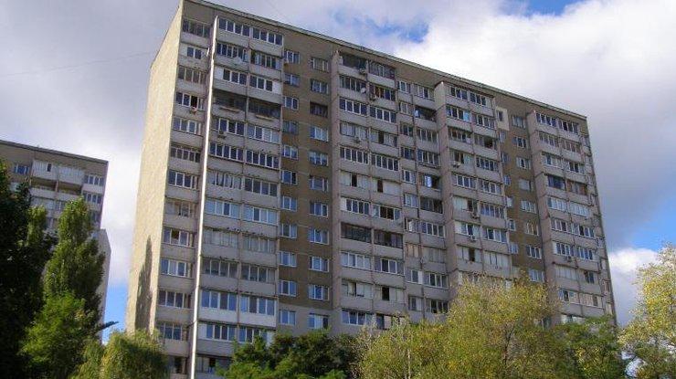 ВКиеве женщина написала предсмертную записку ивыпрыгнула с15-го этажа