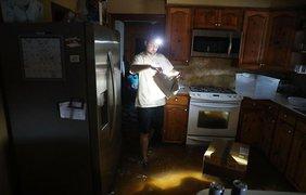Томми Галахеру повезло чуть больше, в его доме воды по щиколотку
