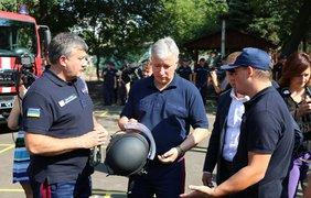 НАТО отправил спецтехнику на Донбасс