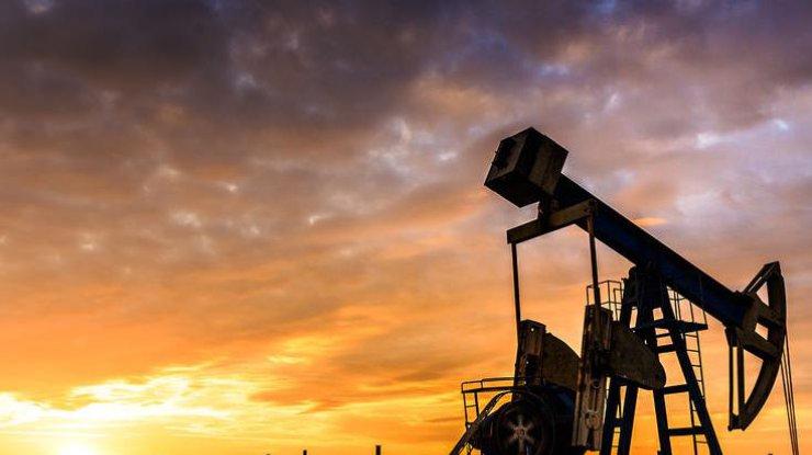 Цены на нефть умеренно снизились