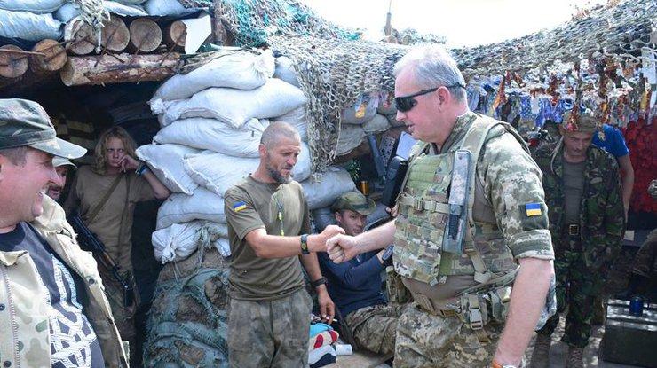 Боевики наглеют: Муженко рассказал оситуации налинии соприкосновения