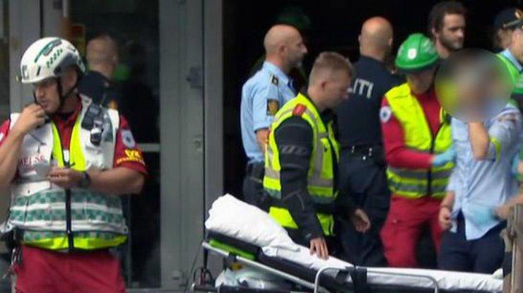 ВОсло рухнула крыша концертного зала, ранив 15 человек