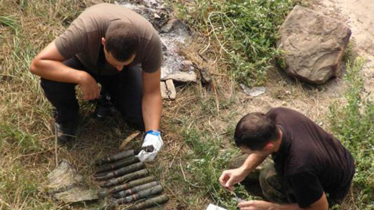 Под мостом вСлавянске рыбак нашел взрывное устройство