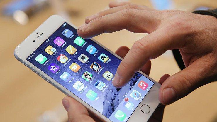 Apple обнаружила сбой в системе безопасности iPhone