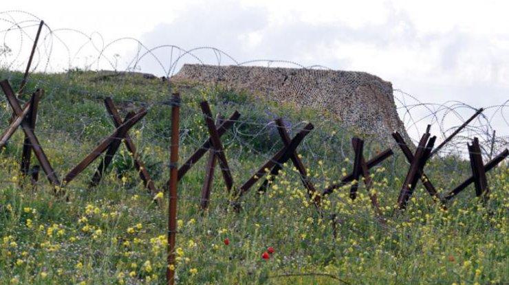 Украина установит награнице сКрымом противотанковые ежи