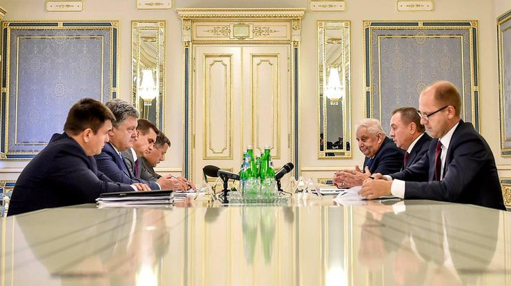 П.Порошенко обсудил сглавой МИД Республики Беларусь экономическое сотрудничество