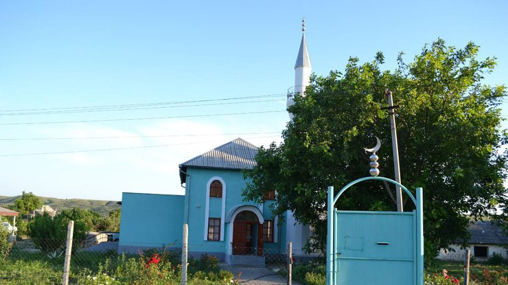 ВСимферополе мечеть забросали коктейлями Молотова