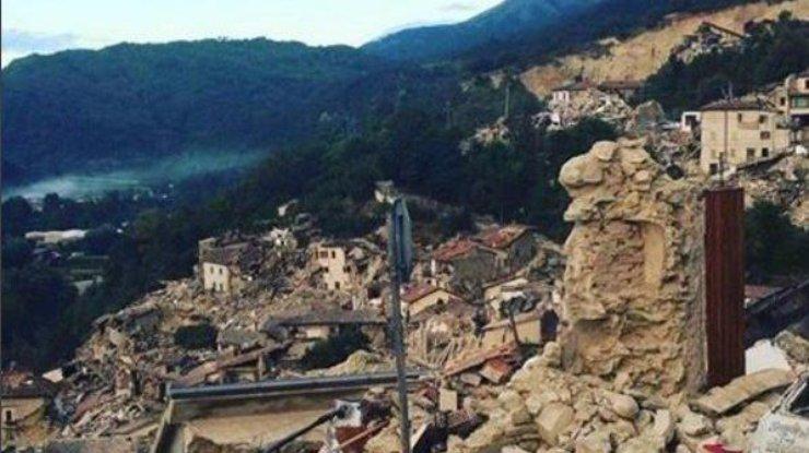 ВИталии девочка спасла сестренку ценой своей жизни впроцессе землетрясения