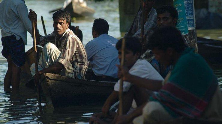 ВИндии из-за наводнения погибли 156 человек