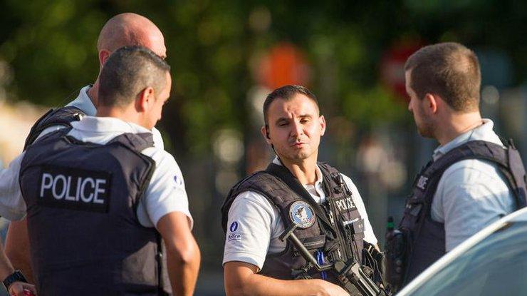 Власти Бельгии отыскали признаки теракта внападении наполицейских