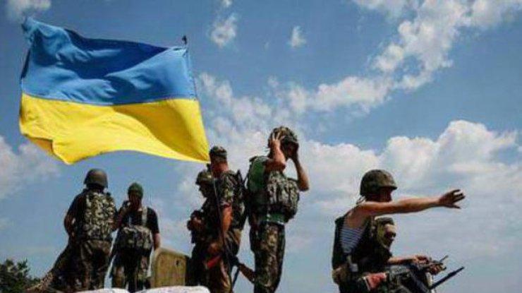 ВМарьинке впроцессе столкновения украинские военнослужащие отбросили боевиков,— штаб АТО