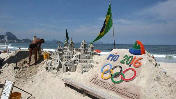 ВОлимпийской деревне подняли русский флаг