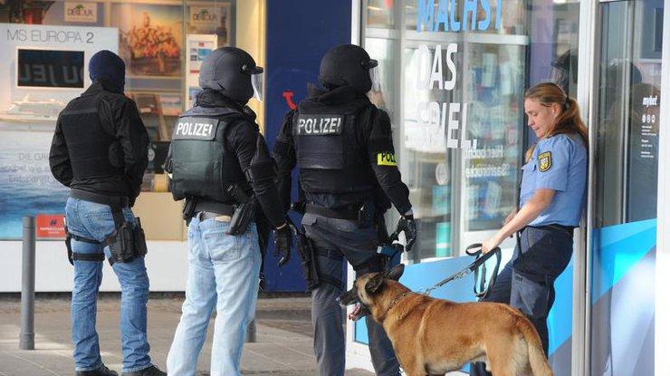 Кровавые нападения вевропейских странах: вГермании мужчина набросился напрохожих сножом
