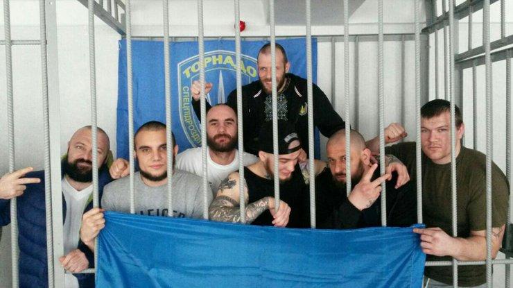 Оболонский суд окружила Национальная гвардия иоперативники