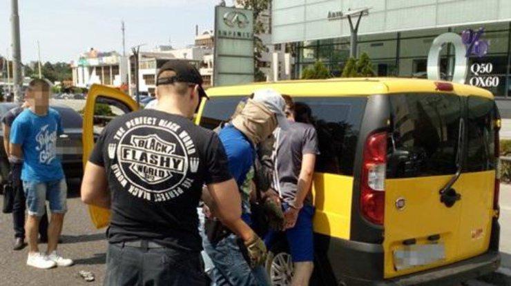 ВКиеве задержали нацгвардейца за реализацию наркотиков