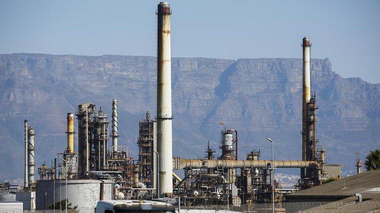 После резкого уменьшения накануне цены нанефть корректируются вверх