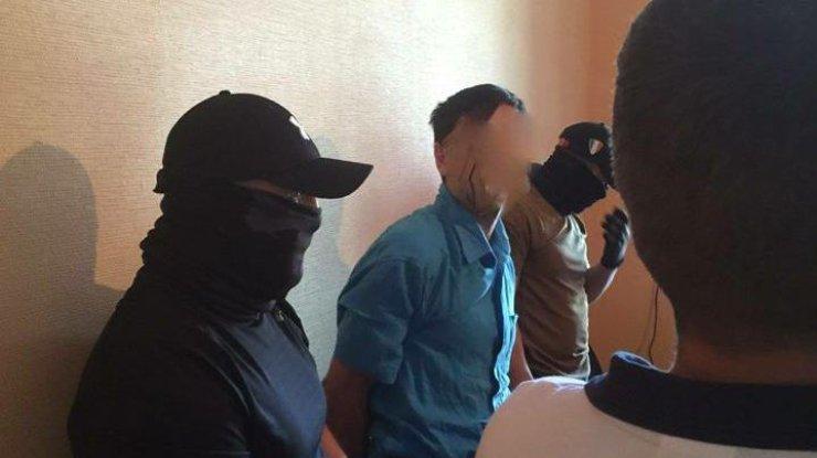 ВОдессе полицейского словили навзятке в 10 000 грн
