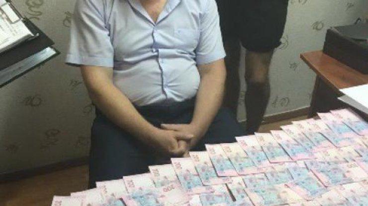 СБУ и генпрокуратура задержали навзятке сотрудникаГУ Гоструда вОдесской области