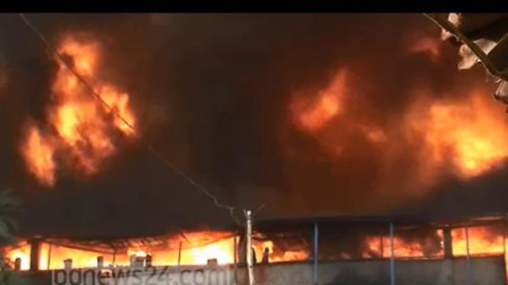 Число погибших пожара нафабрике вБангладеш возросло до 15 человек